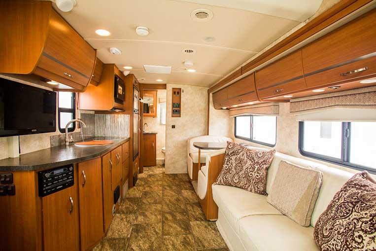 Luxury 4346 41ft Winnebago Class A Diesel Pusher  RV Rentals In Phoenix